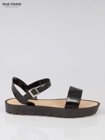 Czarne sandały strap slides na traktorowej podeszwie