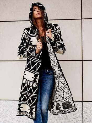 Czarny długi sweter motywy geometryczne