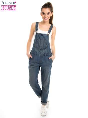 Jasnoniebieskie ogrodniczki jeansowe z kieszeniami