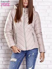 Forever Pink Beżowa pikowana kurtka z kapturem i futrzanym kołnierzem