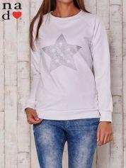 Biała bluza z nadrukiem gwiazdy