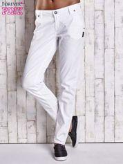 Białe proste spodnie z napami