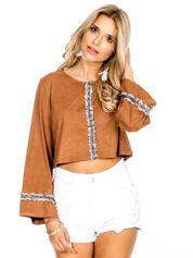 Camelowa zamszowa bluzka z szerokimi rękawami
