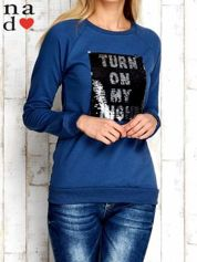 Ciemnoniebieska bluza z podwójną naszywką z cekinów