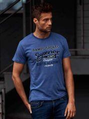 Ciemnoniebieski t-shirt męski ze sportowym nadrukiem i napisem SUPERIOR