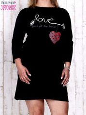 Czarna sukienka dresowa z napisem LOVE PLUS SIZE
