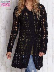 Czarny długi sweter na guziki