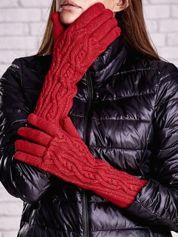 Czerwone rękawiczki o warkoczowym splocie z błyszczącą nicią