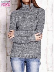 Granatowy melanżowy sweter z golfem i frędzlami