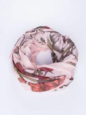 Jasnoróżowa chusta damska w roślinny ornament