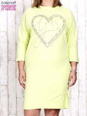 Jasnozielona sukienka dresowa z sercem z dżetów PLUS SIZE
