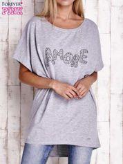Szary t-shirt z biżuteryjnym napisem AMORE