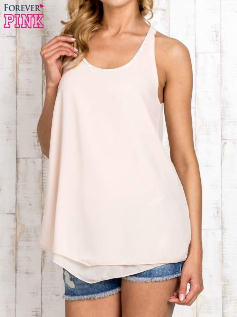Beżowa bluzka koszulowa z aplikacją przy dekolcie
