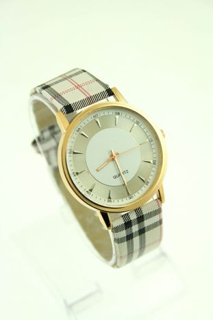 Beżowo-biały zegarek damski na pasiastym pasku