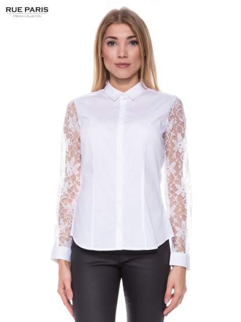 Biała elegancka koszula z koronkowymi rękawami