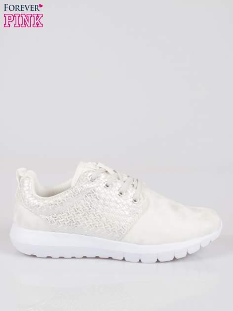 Białe plecione adidasy damskie