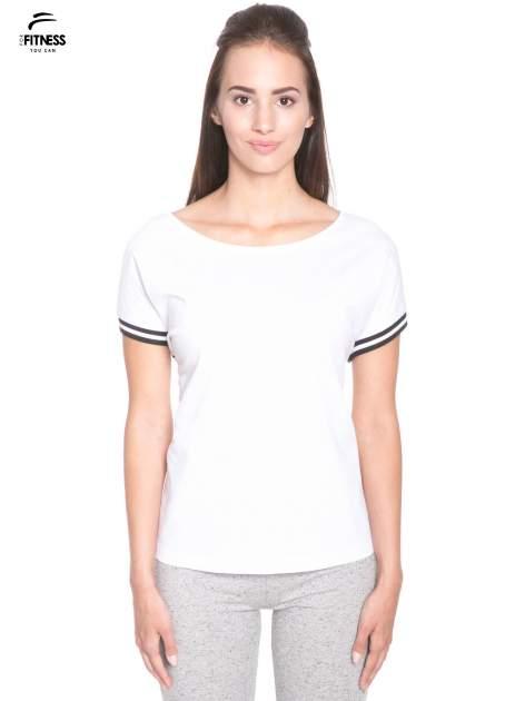 Biały t-shirt damski ze sportową lamówką