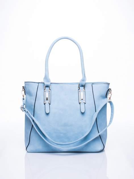 Błękitna fakturowana torba z odpinanym paskiem