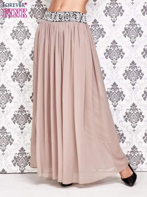 Brązowa spódnica maxi z wyszywanym paskiem