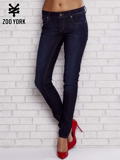 Czarne jeansowe spodnie regular skinny