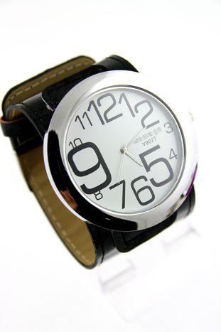 Czarny duży zegarek damski na skórzanym pasku
