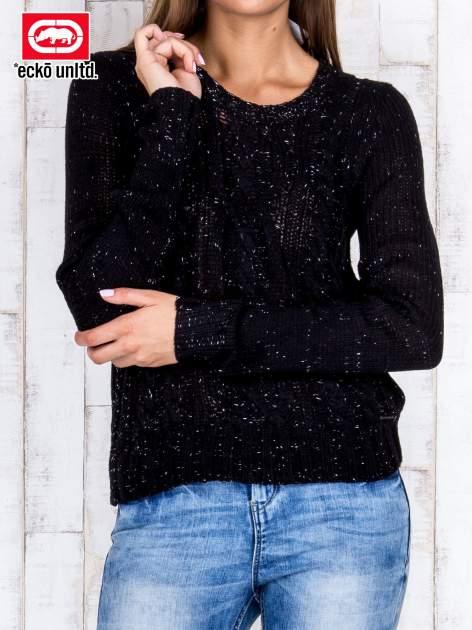 Czarny sweter ze srebrną nicią