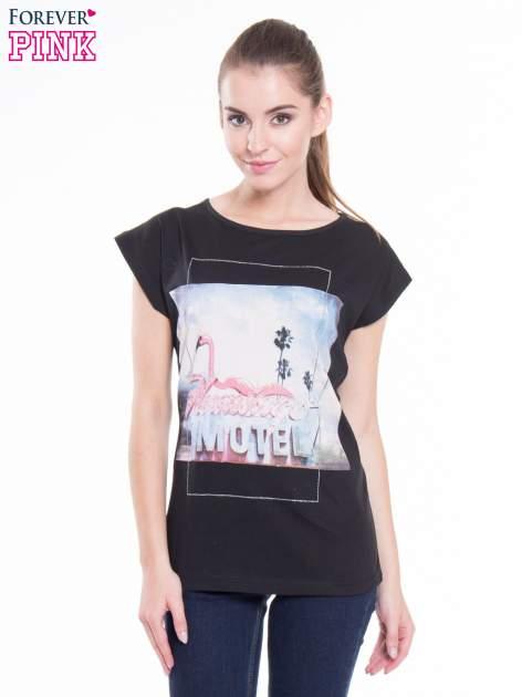 Czarny t-shirt z nadrukiem FLAMINGO MOTEL