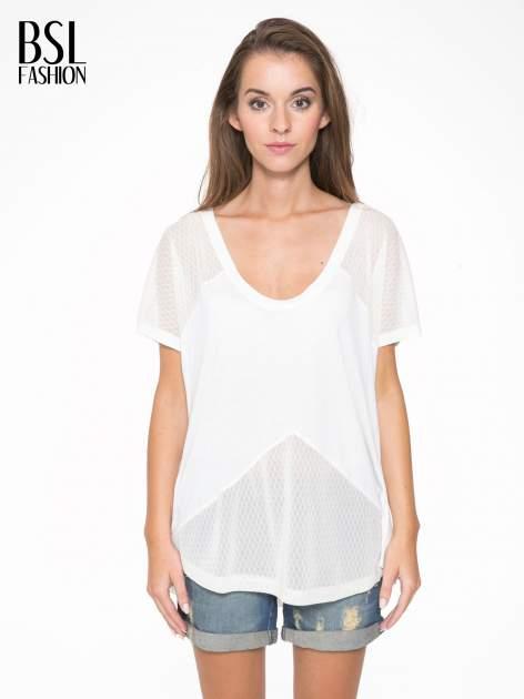 Ecru t-shirt z siateczkowymi wstawkami