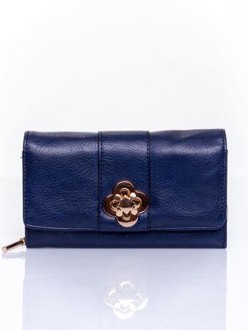 Granatowy portfel z ozdobnym zapięciem