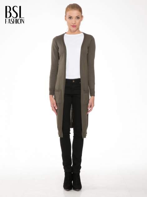Khaki długi gładki sweter kardigan z kieszeniami