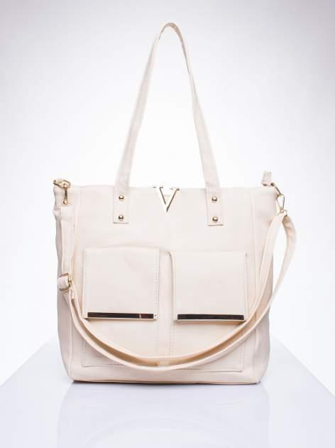 Kremowa torba shopper bag ze kieszeniami na klapki