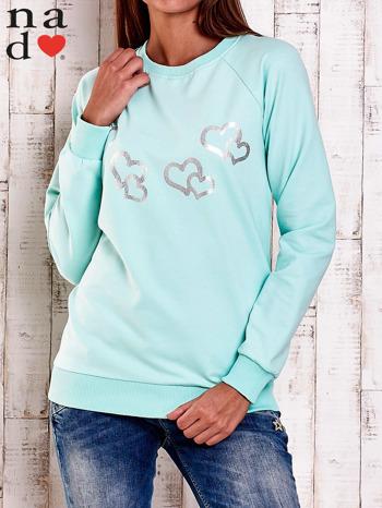 Miętowa bluza z motywem serduszek