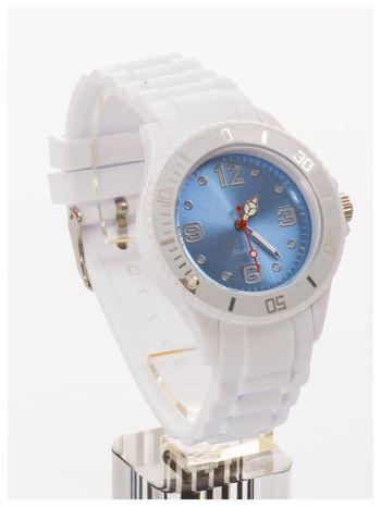 Niebieski zegarek damski na silikonowym pasku