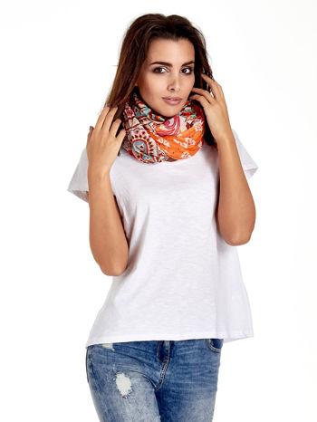Pomarańczowa chusta we wzór patchworkowy