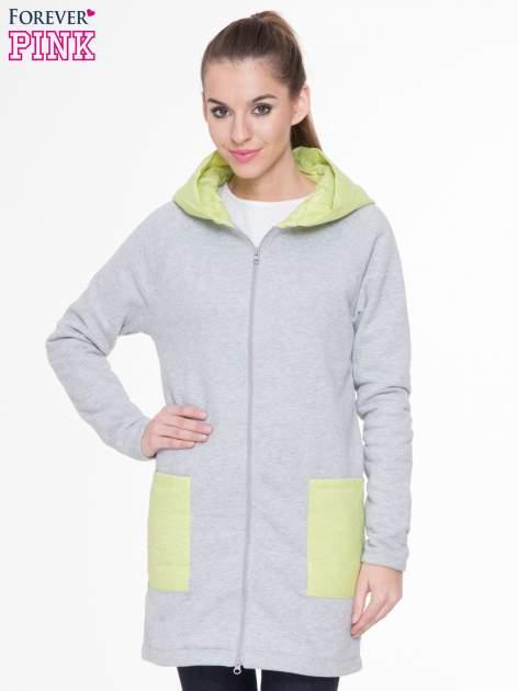 Szarozielony dresowy płaszcz z kapturem i pikowanymi kieszeniami