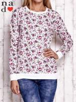 Biała bluza z kwiatowymi motywami