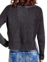 Ciemnoszary sweter cropped z rozporkami