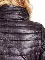 Czarna lekka kurtka puchowa z suwakami przy rękawach