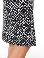 Czarno-biała wzorzysta spódnica ołówkowa