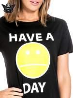 Czarny t-shirt z nadrukiem so-so smile