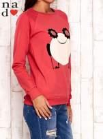 Czerwona bluza z komiksowym nadrukiem