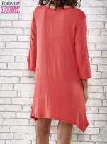 Czerwona sukienka damska z nadrukiem kotów
