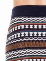 Dzianinowa mini spódniczka tuba w azteckie wzory