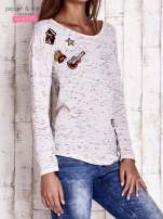 Ecru melanżowa bluzka z naszywkami