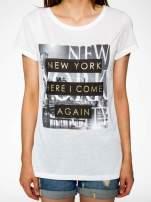 Ecru t-shirt ze złotym napisem NEW YORK HERE I COME AGAIN