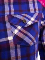 Fioletowa koszula w kratę z kieszonką z przodu