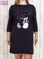 Granatowa sukienka dresowa z misiem PLUS SIZE