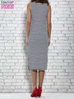 Granatowa sukienka w paski z rozcięciami