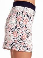 Kwiatowa spódnica mini z gumą w pasie