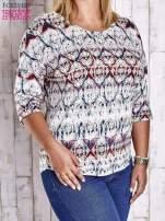 Niebieska bluzka z graficznym motywem PLUS SIZE